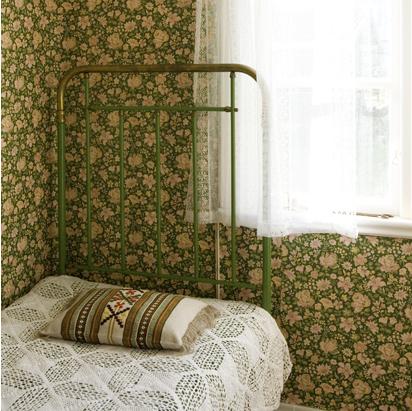 Chambre-fleurie-verte